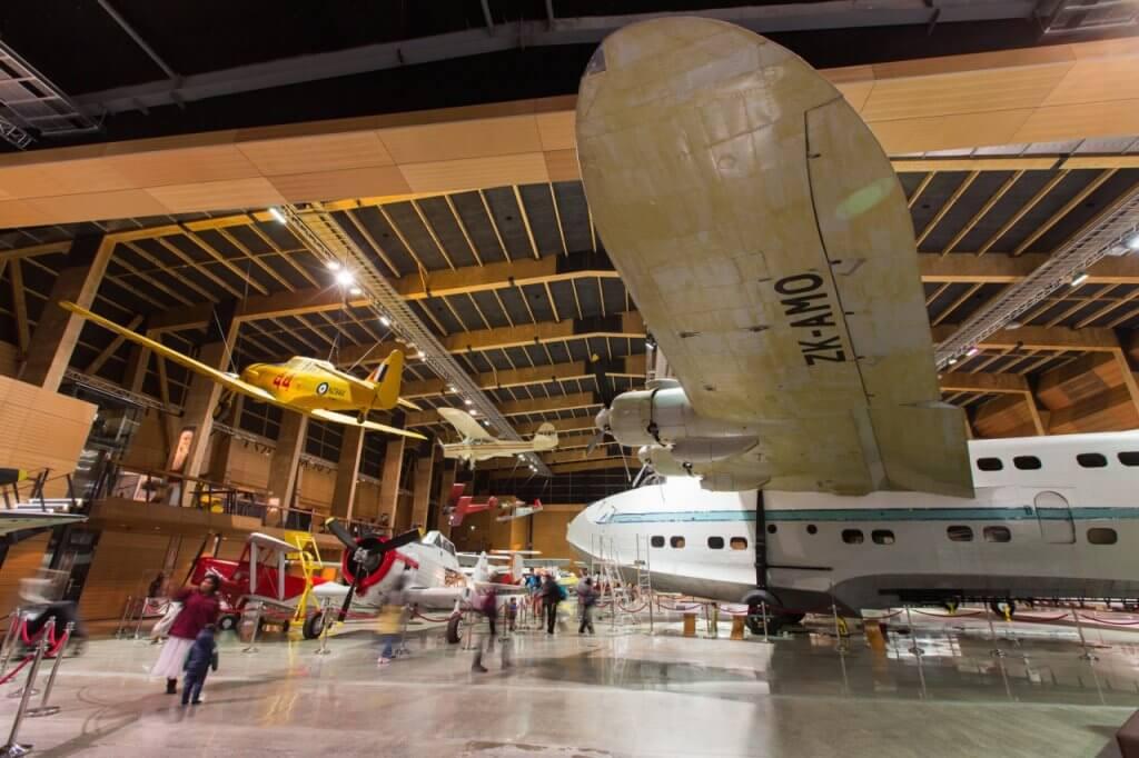 صالة الطائرات في المتحف MOTAT